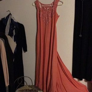 Dresses & Skirts - Prom or gown